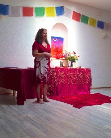 Maggy Am Altar