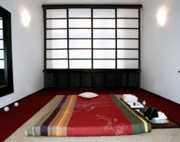 Massage Raum Ananda Japan